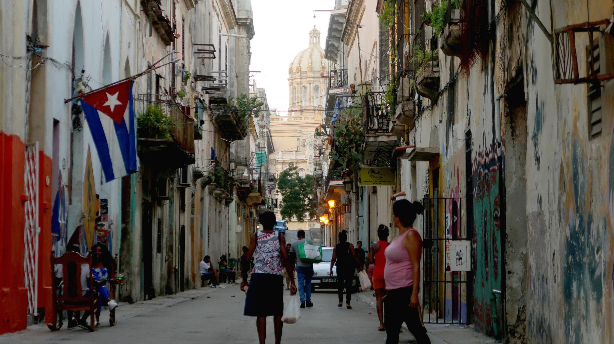Une rue de la vieille ville à La Havane.
